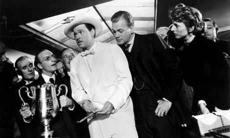 Orson-Welles-centre-in-hi-007