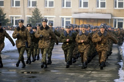 Russian airborne forces servicemen leave for Sarajevo, Yugoslavia, as part of UN peace-keeping forces