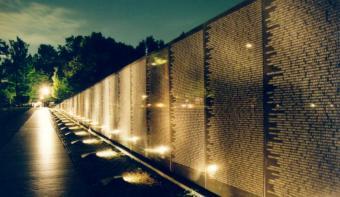 wall_at_nite