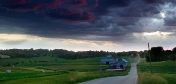 viroqua-darkness-on-the-edge-of-town